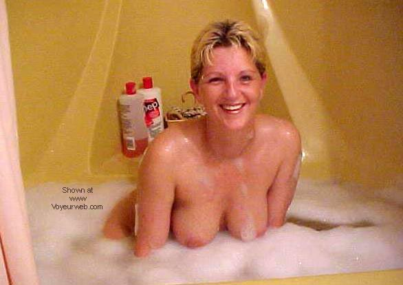 Pic #5 - Canadian Maid in tub #4