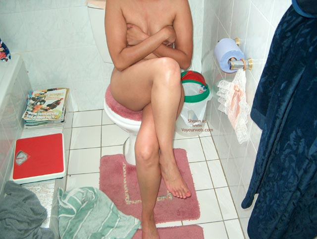 Pic #1 - The Horny Babe After Shower