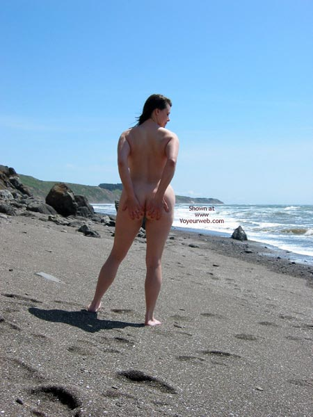 Pic #3 - Pleasurekitten On The Beach