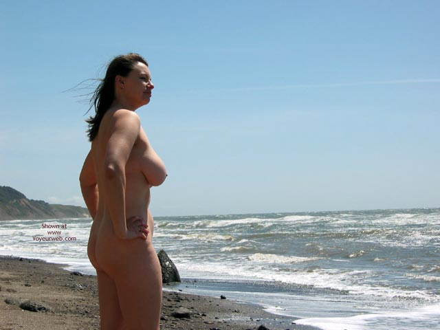 Pic #4 - Pleasurekitten On The Beach