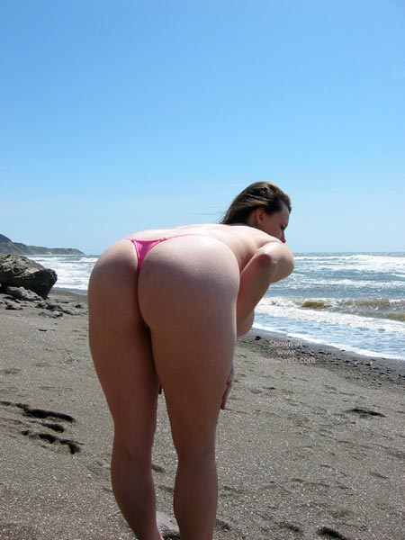 Pic #7 - Pleasurekitten On The Beach