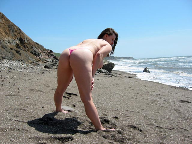 Pic #8 - Pleasurekitten On The Beach