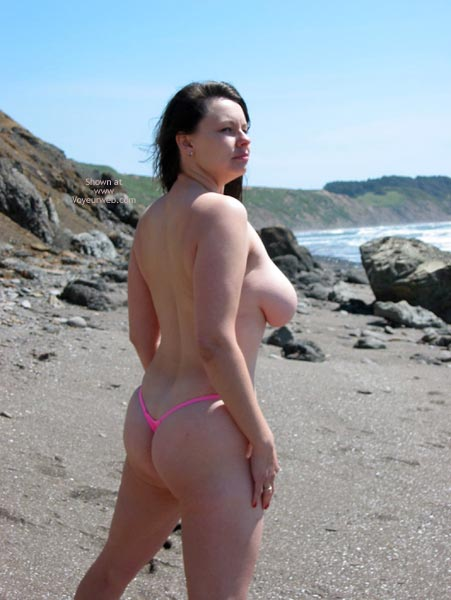 Pic #9 - Pleasurekitten On The Beach