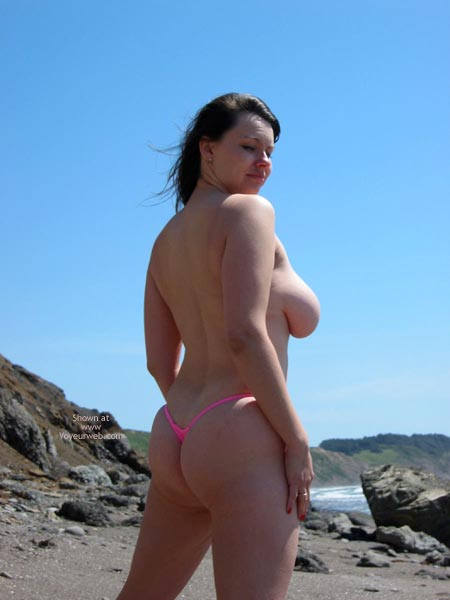 Pic #10 - Pleasurekitten On The Beach