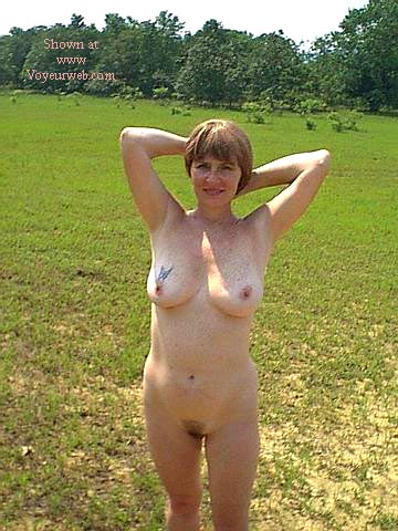 Pic #3 - Southern Wife Outside