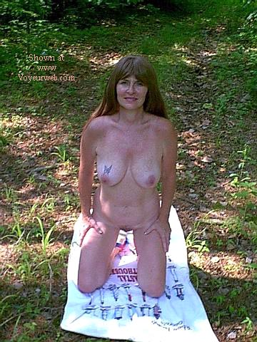 Pic #5 - Southern Wife Outside