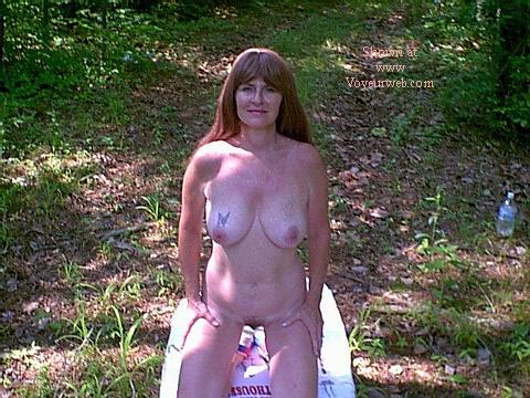 Pic #6 - Southern Wife Outside