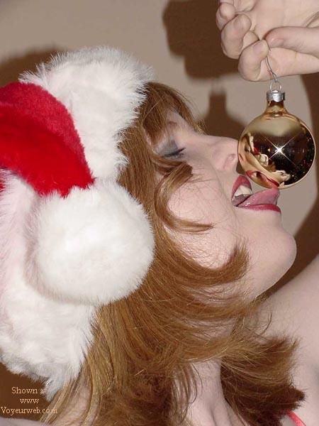 Pic #9 - Amron is Santa's li'l Helper!