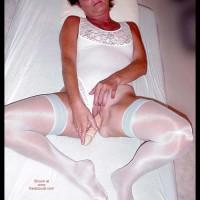 Ellen in White - Pee