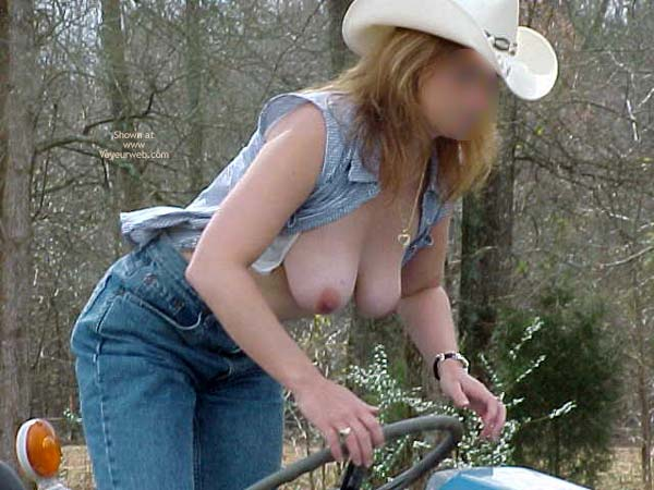 Pic #8 - Day On The Ranch 2