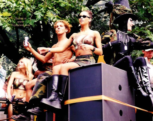 Pic #9 - Fast Forward Dance Parade 2000 - Part 1