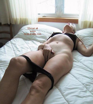 Pic #4 - Bobbi's Erotic Nap