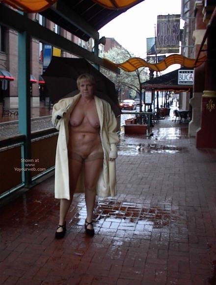 Pic #3 - Rhonda Flashing In St Louis 2
