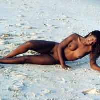 Black Beauty - Beach Voyeur