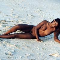 Black Beauty - Beach Voyeur