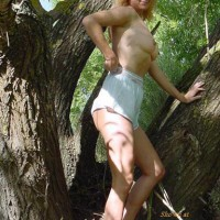 Getting Naked Outdoors - Chickabit