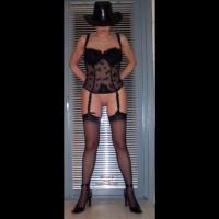 Dutch Pussy in Black