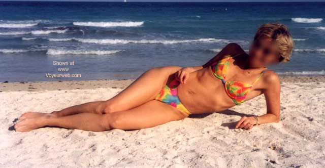 Pic #5 - MY WIFE ON SOUTH BEACH