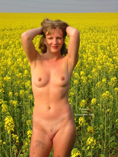 Pic #6 - Saucyminx In Yellow Flowers