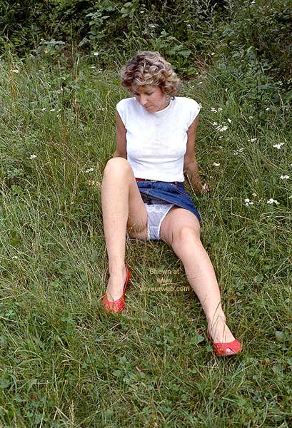 Pic #5 - More Pix of Britta