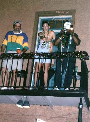 "Pic #7 - Mardi Gras 2001 - ""No Pictures!"""