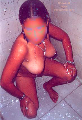 Pic #1 - Dayana from Colombia in Shower