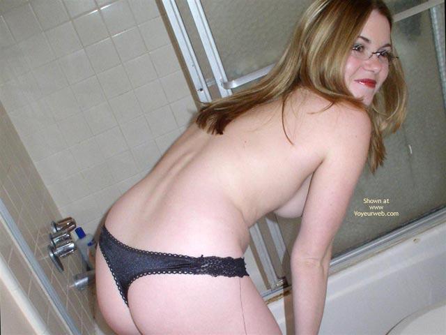 Pic #4 - Cynthia 19 Shower Fun