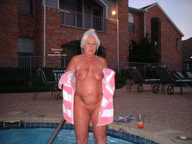 Pic #5 - Tammy In Hot Tub 2