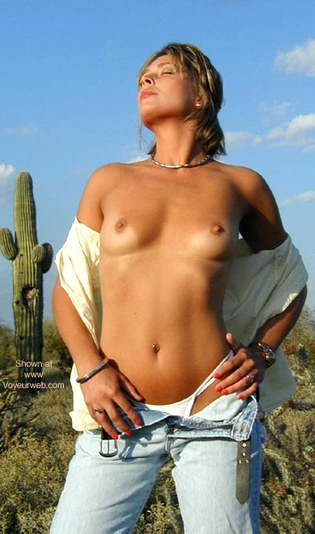 Pic #4 - SANDY IS HOT IN THE DESERT!