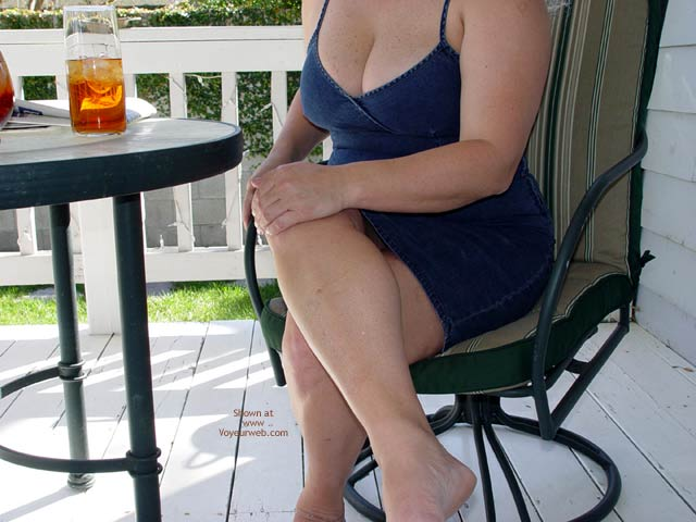 Pic #1 - Curvy Kay On The Porch