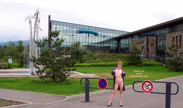 Pic #1 - Julie Hsavoie At G8 2