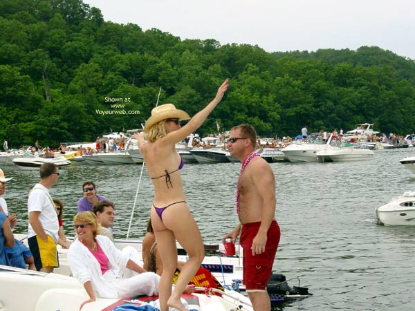 Pic #3 - Party Cove 2003