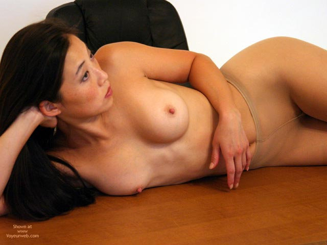 Pic #1 - Erect Nipples - Asian Girl, Erect Nipples , Erect Nipples, Pantyhose, Toples Asian