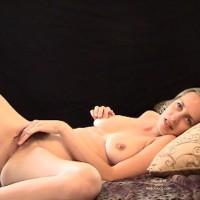 Leila Sucks Her Hubby'S Cock