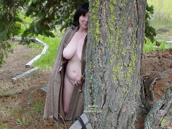 Pic #4 - Tigress Shows Off Her New Cape