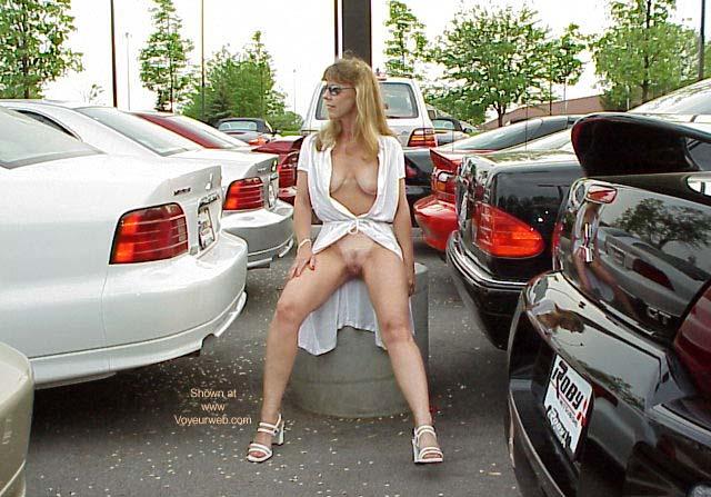 Pic #7 - Natasha's Dealin'