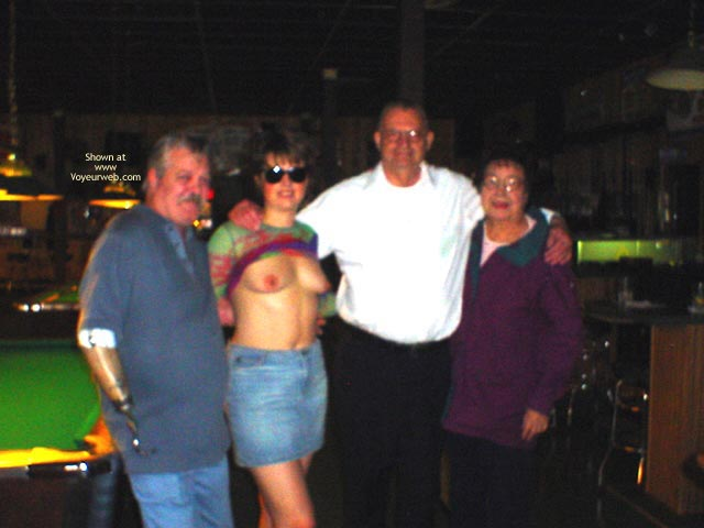 Pic #4 - Midwest Cindy Visits The Pool Hall