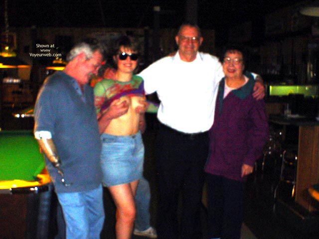 Pic #5 - Midwest Cindy Visits The Pool Hall