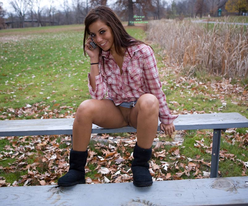 Pic #1 Leanna In The Park