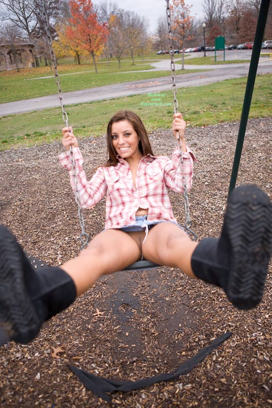Pic #10 Leanna In The Park