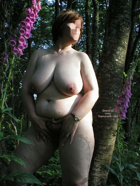 Pic #7 - Suzie In Wood