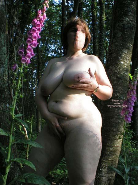 Pic #8 - Suzie In Wood