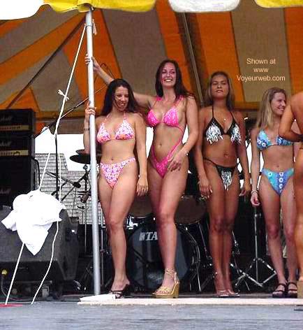 Pic #2 - Beach Fest 2001 Bikini Finals