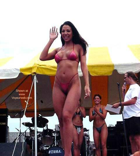 Pic #7 - Beach Fest 2001 Bikini Finals