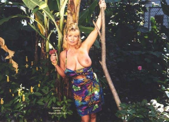 Pic #1 - Topless In  Jamacia