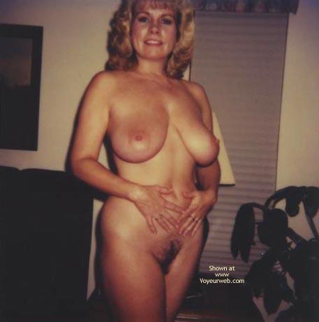 Pic #7 - Topless In  Jamacia