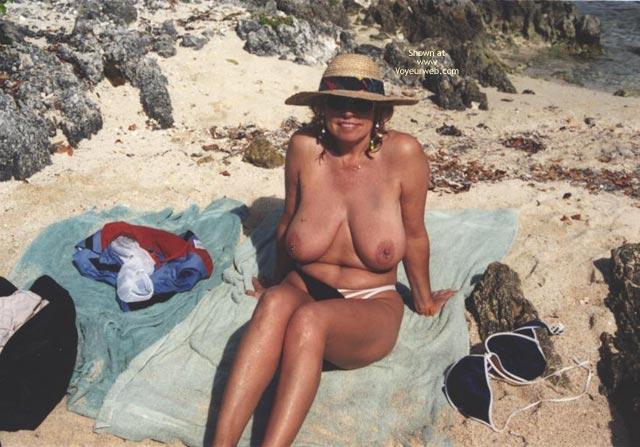 Pic #8 - Topless In  Jamacia