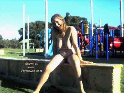 Pic #1 - Aussie GF Goes Public