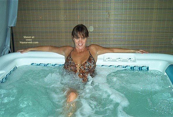 Pic #1 - Tina In The Hott Tub