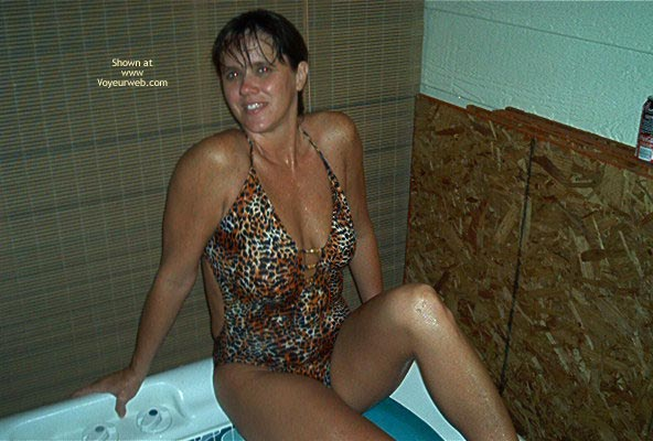 Pic #2 - Tina In The Hott Tub